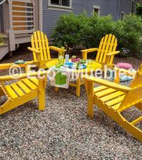 sillas color amarillo en jardin
